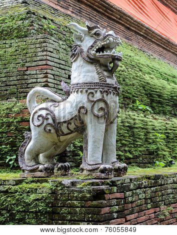 Thai Singha (lion) Guardian statue