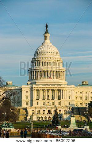 Us Capitol During The Christmas Season