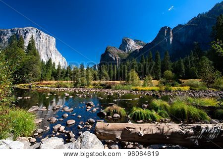 River with rocks in Yosemite National Park