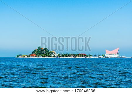Koh Loy at daylight Sriracha Chonburi Thailand.