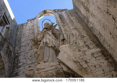Detail of the ruins of old Carmo Convent destroyed in the Lisbon earthquake of 1755. Today it is a museum.