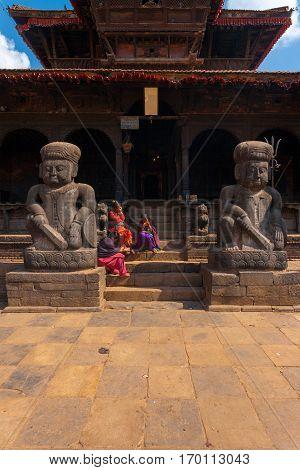Bhaktapur Dattatreya Temple Statues Entrance