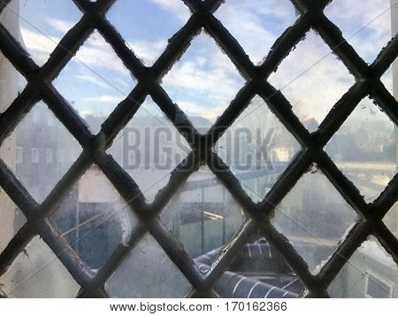 Diamond frame glass window