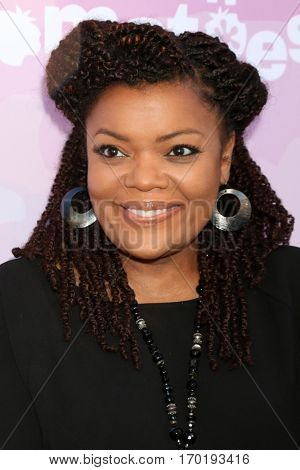 LOS ANGELES - JAN 28:  Yvette Nicole Brown at the Variety's Celebratory Brunch Event For Awards Nominees at  Cecconi's on January 28, 2017 in West Hollywood, CA