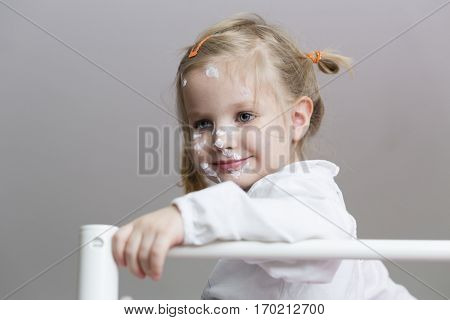 Little girl with varicella curing