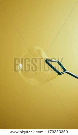 Making a bubble in a Yellow/Brown background