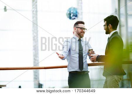 Traders talking