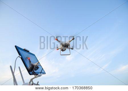 Quadrocopters 4 Phantom And A Remote Control For It. Quadrocopte