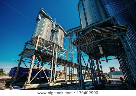 Set of storage tanks cultivated agricultural crops processing plant.