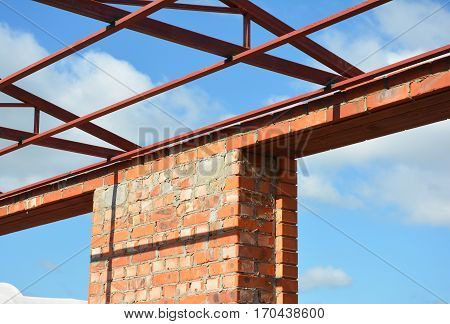 Window lintel construction. Steel roof trusses details with bricklaying frame windows construction. Steel Lintels.