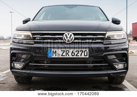 Volkswagen Tiguan, 4X4 R-line, Front