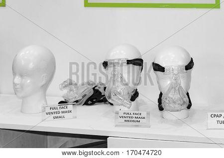 Full face ventilator masks for oxygen and breathing