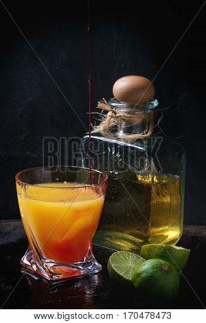 Making Tequila Sunrise Cocktail