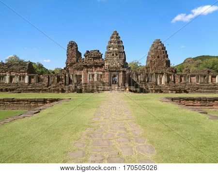 Impressive Prasat Hin Phimai, the ancient Khmer temple complex in Nakhon Ratchasima, Thailand