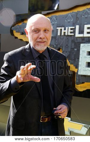 LOS ANGELES - FEB 4:  Hector Elizondo at the