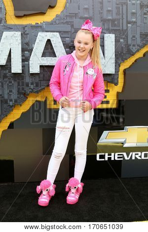 LOS ANGELES - FEB 4:  JoJo Siwa at the
