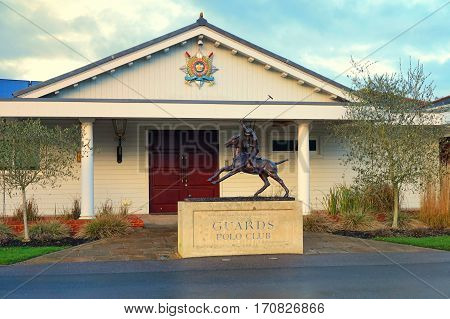 Ascot, Uk - January 14Th 2017: Statue Of Polo Player Outside The Entrance To Guards Polo Club In Ber