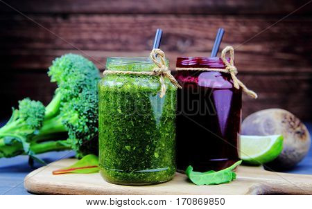 vegetable smoothies of broccoli and beets with lime