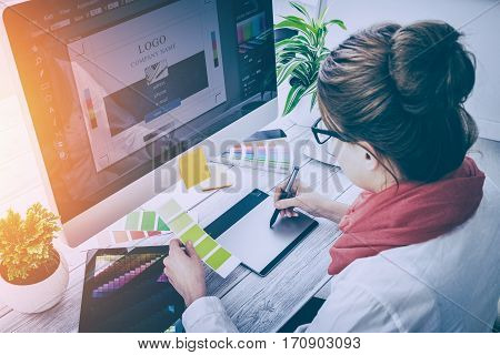 designer graphic skill artist sketch design print atwork studio creative busy table vision creativity working desk creativ concept - stock image