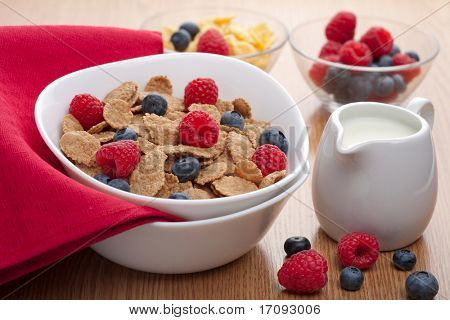 cornflakes with fresh berries