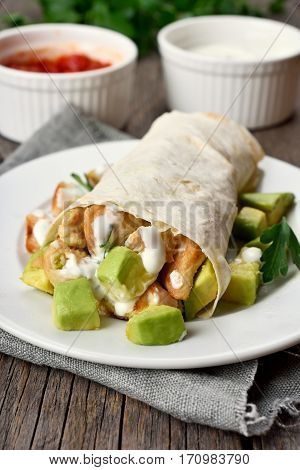 Chicken fajitas with avocado in country style