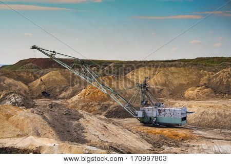 Dragline excavator in a clay quarry near the town of Polohy in the Zaporizhya region of Ukraine. September 2005