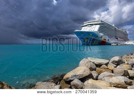 Oranjestad, Aruba: November 5, 2018: A Colorful Cruise Ship Called Norwegian Breakaway, Ncl, Docked
