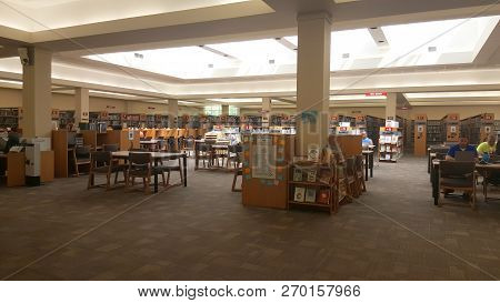 Findlay, Oh, May 30, 2018, Findlay-hancock County Public Library Interior Bookshelves And Seating Ar