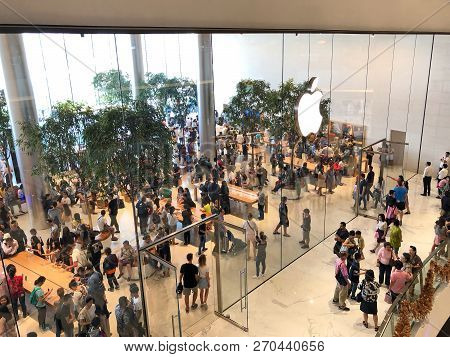 Bangkok Thailand -  24 Nov 2018: Many People Are Visiting The New Apple Store At Iconsiam, The Apple