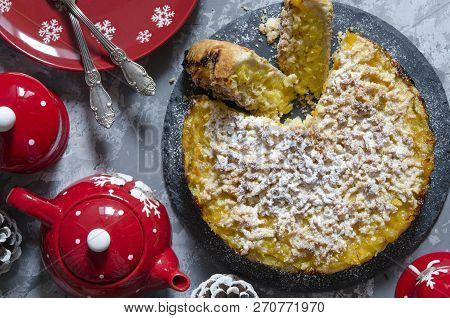 Vegan Tart With Lemon-orange Filling And Crumb