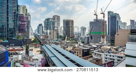 Bangkok, Thailand - Oct 11, 2018 Cityscape Over The Rail Of Bts Skytrain In Downtown Of Sukhumvit.