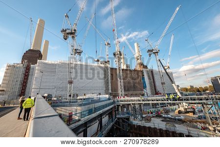 London, Uk - 31 October 2018: A Large-scale Construction Project Underway On The Redevelopment Of Th
