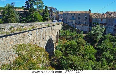 Bridge Entering The Village Of Montolieu Aude  Languedoc - Roussillon  France.