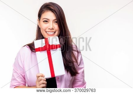 Birthday Gift, Christmas Gift Or New Year Present Concept. Asian Woman Receive Gift Box Or Pretty Gi