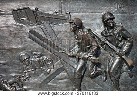 Washington, D.c., Usa - November 11, 2017: Bronze Bas-relief, Showing Beach Landing During The Allie