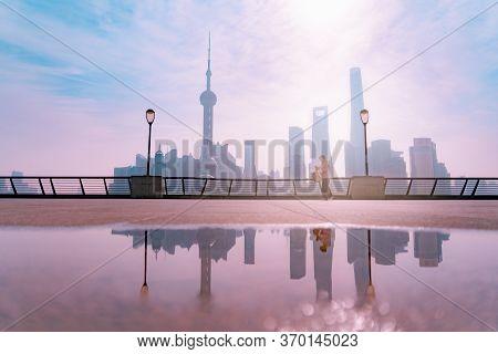Morning View At The Bund, Huangpu Riverside, Shanghai City View Background