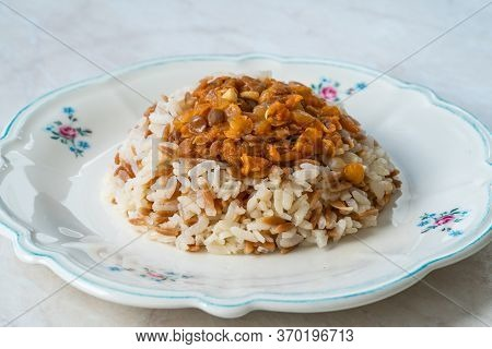 Lebanese Mujadara Rice And Lentils Pilaf With Vermicelli / Pilav.