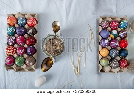 Easter Eggs From Germany Handmade With Wax Technique, Old Eastern Germany Tradition, Craftsmanship,