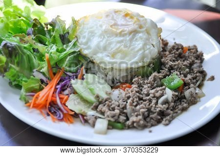 Stir Fried Pork Or Stir Fried Beef With Fried Egg