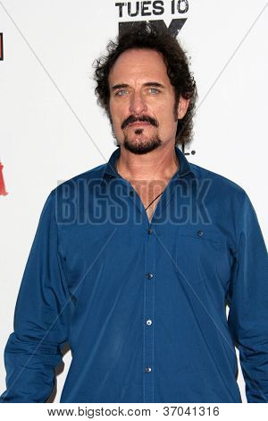 LOS ANGELES - SEP 8:  Kim Coates arrives at the