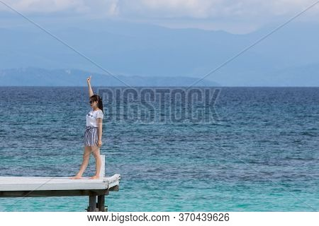 Mantanani Island, Sabah,malaysia-circa September, 2017:young Asia Women Having Fun At The Wooden Jet