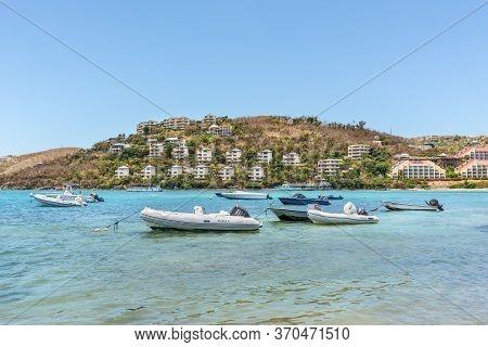 Smith Bay, St. Thomas, U.s. V. Islands (usvi) - April 30, 2019: Boats Anchored In The Water Bay In S
