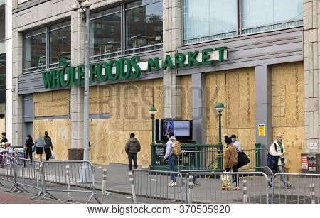 New York, New York/usa - June 2, 2020: Whole Foods Market Closed To Prevent Looting During George Fl