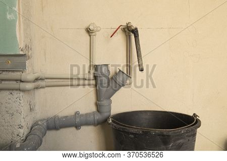 Installation Of Plastic Domestic Water Pipes In A New Apartment