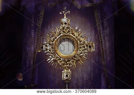 Ostensory For Worship At A Catholic Church Ceremony - Adoration To The Blessed Sacrament - Catholic