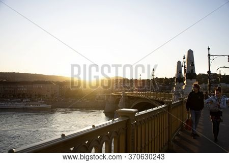 Budapest, Hungary - September 22 : Hungarian People And Foreign Travelers Walking Visit Relax At Bud
