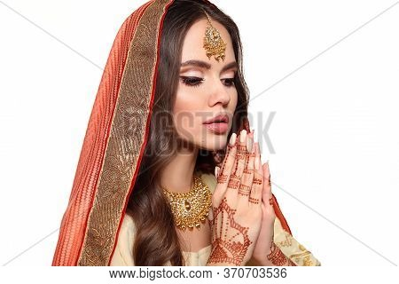 Mehendi. Portrait Of Beautiful Indian Girl In Traditional Saree Isolated On White. Young Hindu Woman