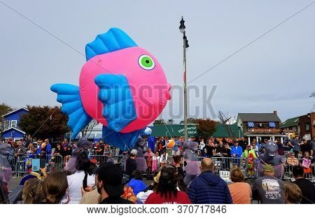 Rehoboth Beach, Delaware, U.s.a - October 26, 2019 - A Big Pink And Blue Fish Float On Seawitch Fest