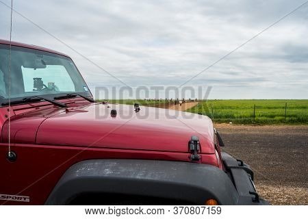 Amarillo, Tx, Usa - April 29, 2019: A Jeep Wrangler Unlimited Sports Parked Along The Preserve Park