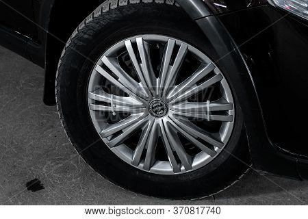 Novosibirsk/ Russia - March 31, 2020: Suzuki Sx4, Close-up Of The Alloy Wheel. Photography Of A Mode